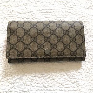 Authentic Gucci Signature Wallet